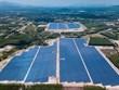 Le premier projet d'électricité solaire à Binh Dinh raccordé au réseau national