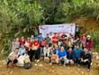 Remise des cadeaux aux élèves de la province de Quang Nam