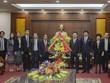 Une délégation laotienne adresse ses vœux de Nouvel An lunaire à Hoa Binh
