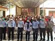 L'ambassade du Vietnam en Indonésie rencontre des pêcheurs détenus