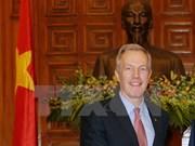 Déminage : l'ambassadeur américain à Quang Tri