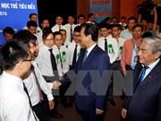 Rencontre entre le Premier ministre et de jeunes scientifiques brillants