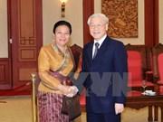 Le chef du PCV Nguyên Phu Trong reçoit une délégation laotienne