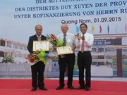 Un Allemand soutient la construction d'un collège à Quang Nam
