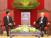Le secrétaire général du PCV  reçoit l'ambassadeur laotien