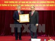 L'Ordre de l'Indépendance du Vietnam pour un ministre laotien