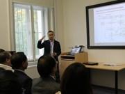 En R. tchèque, les recherches scientifiques intéressent les étudiants vietnamiens