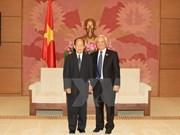 Une délégation du Comité de la paix et de la solidarité du Laos au Vietnam