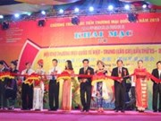 Ouverture de la foire internationale du commerce Vietnam-Chine 2015 à Lào Cai