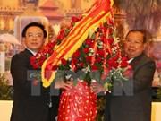 Des dirigeants laotiens reçoivent l'envoyé spécial du chef du Parti communiste du Vietnam