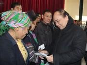 Le vice-PM Nguyen Xuan Phuc inspecte le règlement des séquelles du froid à Sa Pa