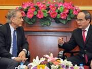 Nguyen Thien Nhan reçoit le directeur de l'Institut de recherche suisse Malik