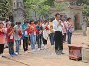 Ninh Binh: pèlerinage d'enseignants et élèves vietnamiens de Thaïlande