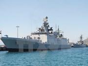 Deux navires de la Marine d'Inde jetent l'ancre au port international de Cam Ranh