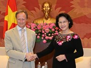 Nguyên Thi Kim Ngân reçoit des ambassadeurs européens
