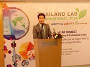 Des scientifiques vietnamiens invités à la 6e foire-expo internationale Lab de Bangkok