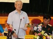 Le leader du PCV Nguyên Phu Trong à l'écoute des électeurs de Hanoi