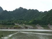 Voyagez dans la zone touristique du lac de Hoà Binh