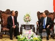 Le PM Nguyen Xuan Phuc reçoit le ministre cambodgien des Postes et des Télécommunications