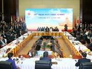 Le Premier ministre aux Sommets de l'ASEAN au Laos