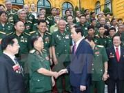 Le président Trân Dai Quang invite des vétérans à s'entraider pour s'enrichir