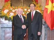 Le président irlandais termine avec succès sa visite d'Etat au Vietnam