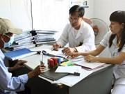 Favoriser l'accès des séropositifs à l'assurance santé
