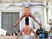 Cirque: un record du monde pour des artistes vietnamiens