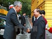 Cérémonie d'accueil officielle du Premier ministre singapourien Lee Hsien Loong à Hanoi