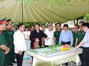 La vice-présidente de l'AN et l'ambassadeur du Laos se rendent à Hoà Binh