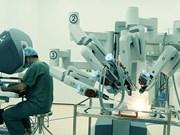Opérations gratuites avec un système de chirurgie assistée par robot