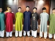 L'ao dai masculin traditionnel en quête de résurrection
