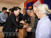 La présidente de l'Assemblée nationale rencontre des habitants de Ha Tinh