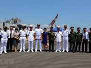 Trois navires de la Marine indienne en visite à Dà Nang