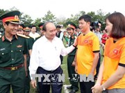 Le PM Nguyen Xuan Phuc rend visite au corps de troupe 16 à Binh Phuoc