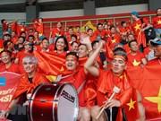 Football - ASIAD: La joie des supporters après la victoire du Vietnam contre la Syrie