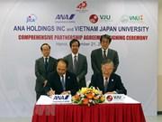 L'Université́ Vietnam-Japon et ANA Holdings signent un accord de coopération intégrale