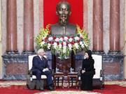 La présidente par intérim reçoit le président du Sénat biélorusse