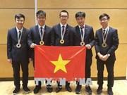 38 élèves vietnamiens primés lors des Olympiades régionales et internationales