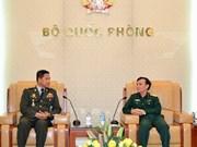 Le Vietnam et le Cambodge intensifient la coopération en matière d'information militaire
