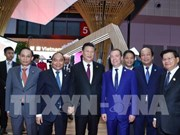 Le PM Nguyen Xuan Phuc à la Foire internationale des importations chinoises à Shanghai