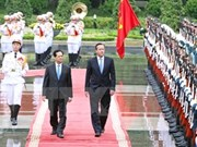 Entretien entre les Premiers ministres vietnamien et britannique