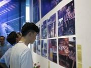 La maison commune du Nord à travers une exposition à Hanoi