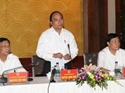 Le vice-PM Nguyên Xuân Phuc travaille dans la province de Quang Ninh