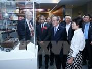 Nguyen Sinh Hung visite des musées américains