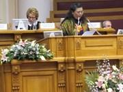 Tong Thi Phong au premier Forum des femmes d'Asie-Europe