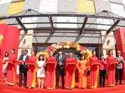 Vingroup inaugure trois centres commerciaux