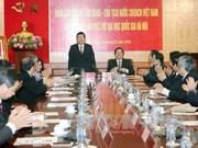 Le chef de l'Etat rend visite à l'Université nationale de Hanoi