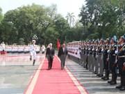 Le secrétaire général du Parti et président du Laos débute sa visite d'amitié officielle au Vietnam