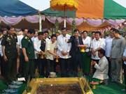 Construction d'un monument de l'amitié Cambodge-Vietnam à Battambang